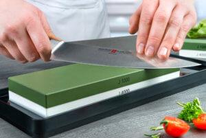 Exemplo prático com uso da pedra de aficar facas